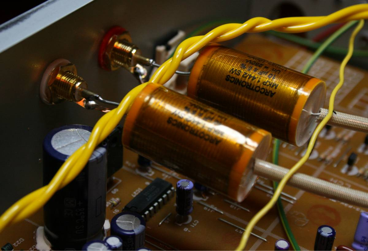 Adding An Anti Aliasing Filter To Op   Before Adc further  together with L izator DIY also 2p4m Scr Thyristor 400v 2a besides 374384. on op amp audio