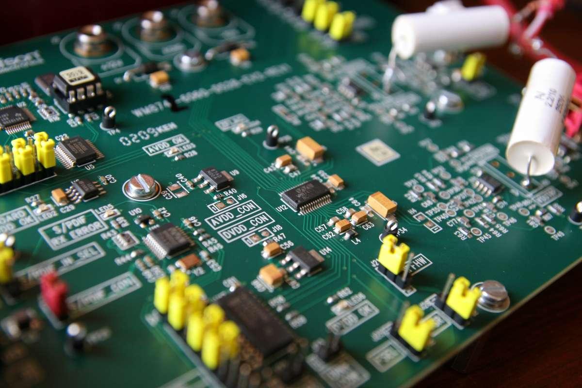 ЦАП SU3 (0)  VS Inntak (0) с двумя трансформаторами